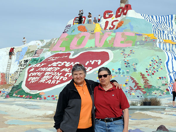 Lisa-and-Connie-Salvation-Mountain